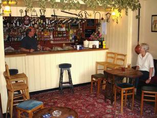 Beer in the Evening & Flowerpots Inn Cheriton Hampshire SO24 0QQ - pub details ...