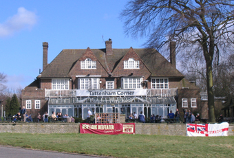 Tattenham corner epsom downs surrey kt18 5ny pub for 2b cuisine epsom downs