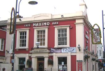 Cafe Maximo Bar