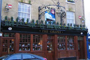 Grapes Southampton Hampshire So14 3dp Pub Details