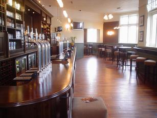 Long Room Bar And Hotel Tooting London Sw17 9nh Pub Details