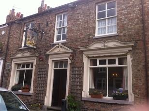 Wellington york north yorkshire yo10 4dl pub details for Alma terrace york